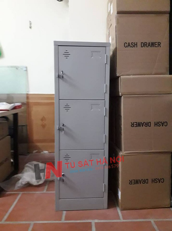 Cung cấp khách lẻ tủ sắt locker 3 cánh tại Nguyễn Ngọc Nại 1